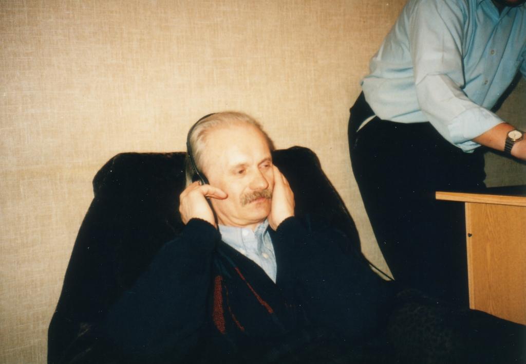 Stasio Fiałkowski przy moim Atari.